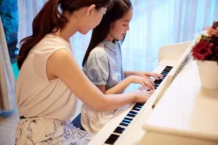 「ピアノ・エレクトーン」